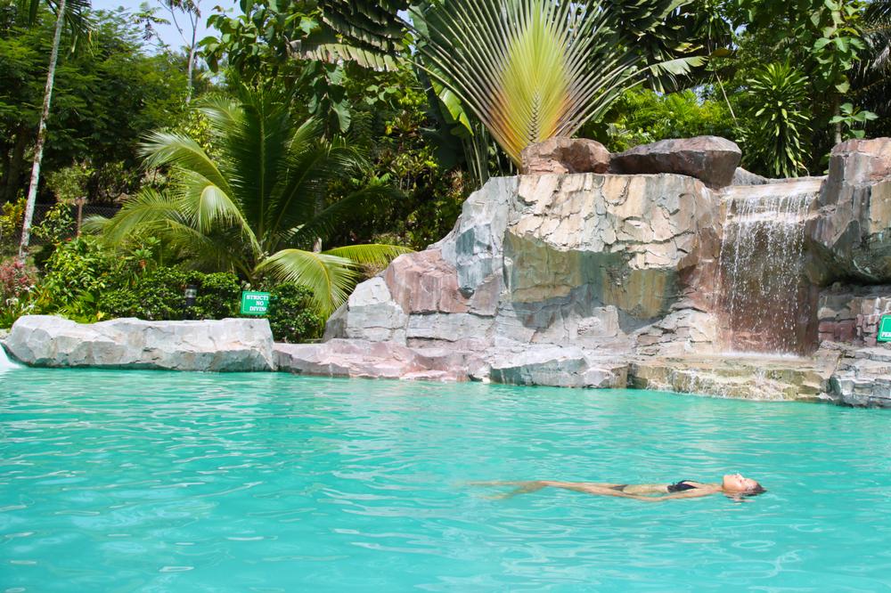 Get the Inside Scoop on 2016's Hottest Pool Design Trends