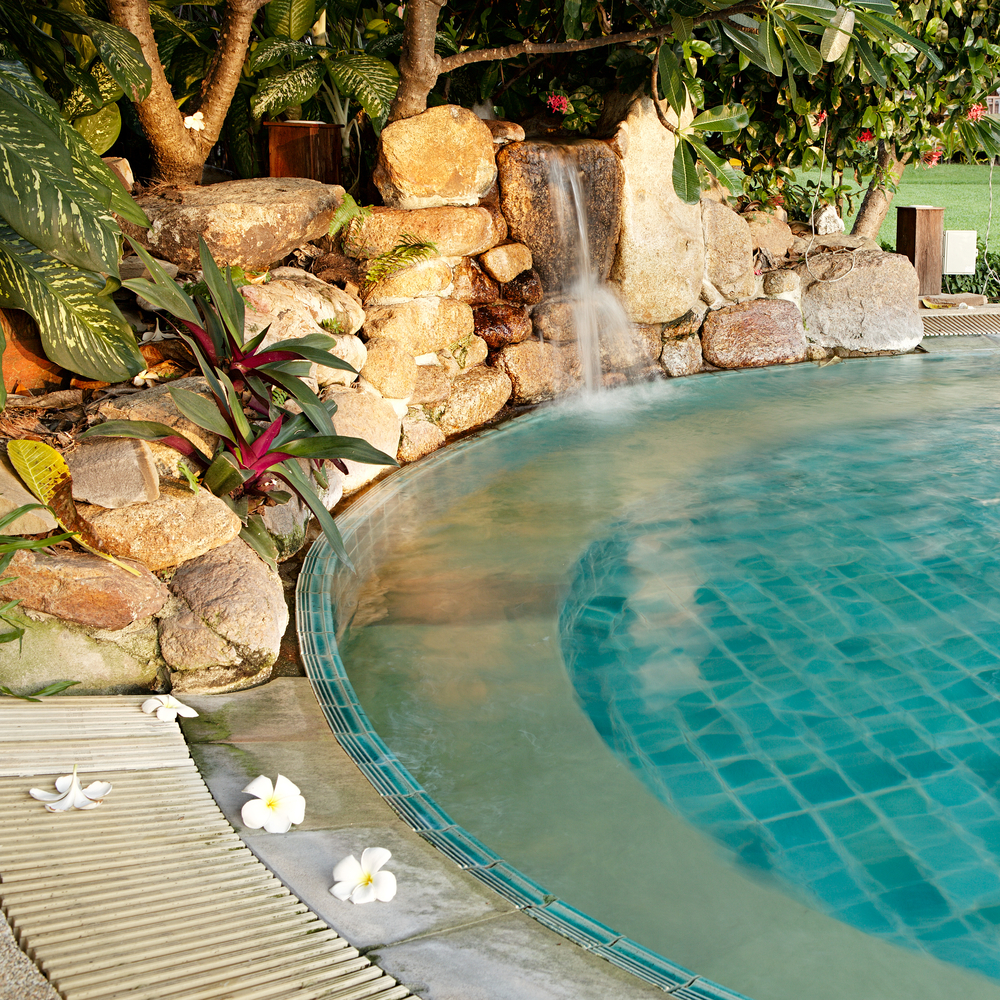 The Latest and Greatest Swimming Pool Trends