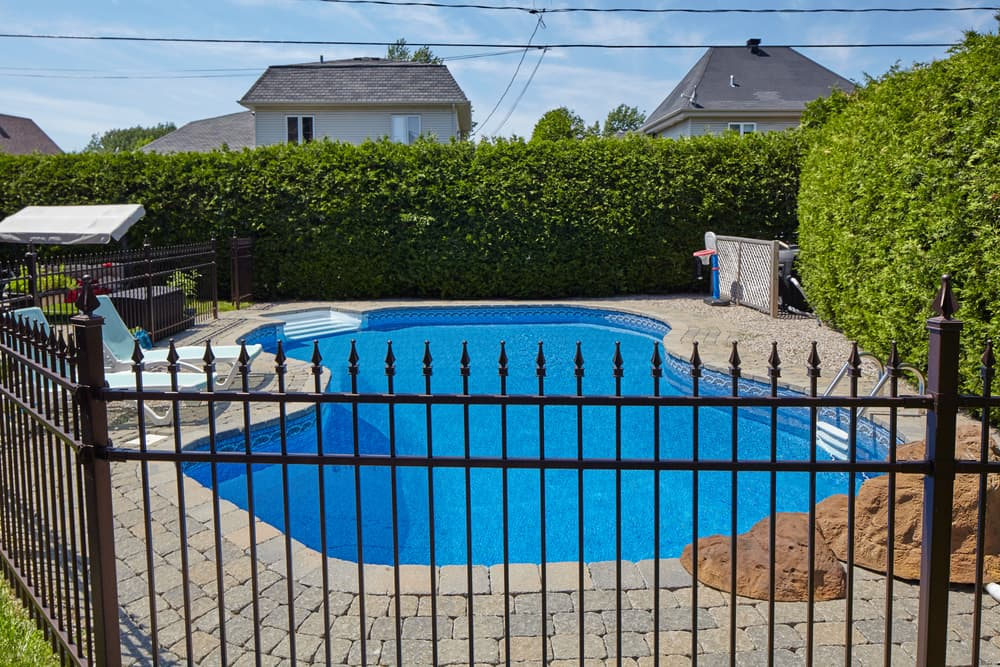 How to Include Your Pool into Backyard Landscaping