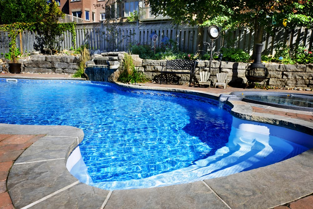 Which Shape of Pool is Best for You?